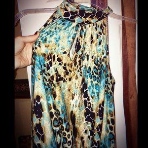 Blue Giraffe Print Sleeveless Blouse (SM)